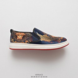 VERSACE 2018 Early Spring Slip-Ons/Loafers collectio